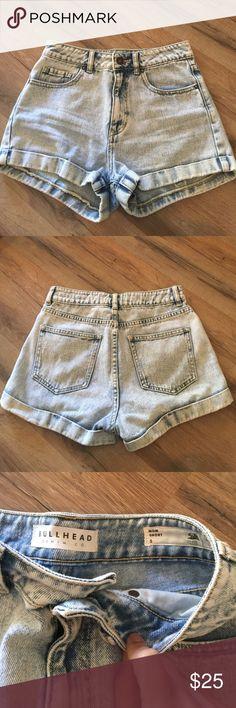 "Bullhead mom shorts Size 5 bullhead jean shorts , style:  mom. Inseam 2"" rise 11"" . Laying flat waist 13.5"" light acid wash color Bullhead Shorts Jean Shorts"