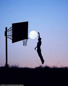 .Moon Basketball
