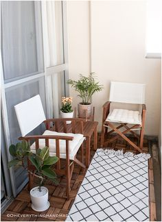 Small balcony makeover - via OEH1