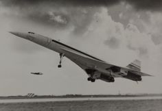 January 21, 1976: The Concorde supersonic jet began passenger service. The 1st flights were from London to Bahrain and Paris to Rio de Janeiro.
