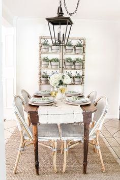 Modern French Farmhouse Summer Home Tour | blesserhouse.com - A summer home tour with modern French farmhouse style using inexpensive decorating tricks and ways to stretch your dollar to look luxe on a budget, plus 8 more tours of gorgeous homes styled for summer!