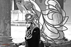 """05/02/2016 - No hay mejor manera de empezar nuestra foto del día de hoy con nuestra amiga @marcelainesv  que acorde a las fechas que corren actualmente...""""Los Carnavales""""!!!  Y es que aunque Venecia se llena de color, luz... esta foto es tan sobrecogedora que muestra de una manera impresionante esta hermosa fiesta. Y tú ¿has disfrutado de este carnaval?"""