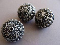 Berber vintage Pendants Massive beduin beads ethnic