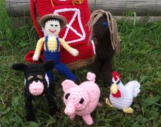 Alright, folks, here it is. The pattern for the much displayed Barnyard Gang pattern. I have some more pictures to share with you concerning...