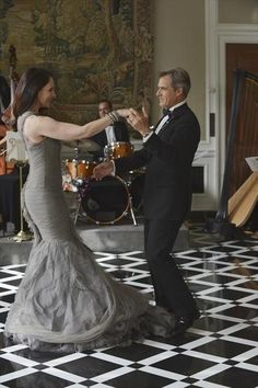 Still of Madeleine Stowe and Henry Czerny in Revenge