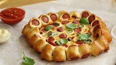 Ha egyszer megkóstolod, mindig ezt csinálod majd szilveszterkor. Taco Pizza, Canapes, Vegetable Pizza, Hot Dogs, Waffles, Cake Recipes, Bacon, Bakery, Food And Drink