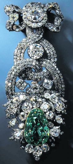 """The only diamond that comes close to the Hope Diamond in rarity, weight, color and exceptional quality is the Dresden Green diamond. This 41-carat diamond, the largest and finest natural green diamond ever found, has been considered a """"sister"""" to the Hope Diamond because it closely matches it in size, intensity of color and historical importance. The fancy diamonds come in a range of colors such as red, dark blue, pink, green, amber and canary yellow."""