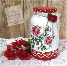 Фотография Painted Mason - Quilling Deco Home Trends Diy Plastic Bottle, Recycled Glass Bottles, Diy Bottle, Bottle Crafts, Mason Jar Art, Mason Jar Gifts, Painted Mason Jars, Decoupage Jars, Decoupage Vintage