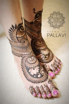 Mehendi on the legs is as important for the bride as is to put it in her hands. We have collected amazing mehndi designs for leg for your inspiration. Leg Mehendi Design, Leg Henna Designs, Palm Mehndi Design, Leg Mehndi, Mehndi Designs Feet, Mehndi Design Pictures, Mehndi Designs For Girls, Unique Mehndi Designs, Wedding Mehndi Designs
