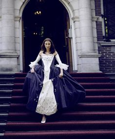 Hoi! Ik heb een geweldige listing op Etsy gevonden: https://www.etsy.com/nl/listing/549737726/outlander-inspired-wedding-dress-custom