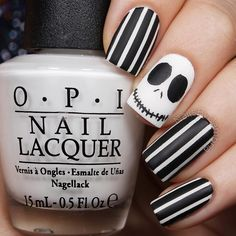 """""""Jack Skellington nails inspired by the always fabulous @samnailedit!  I definitely like the matte version better Which do you like? Tutorial will be…"""""""
