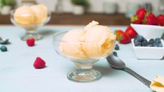 Want a delightfully frozen fruit sorbet to finish a meal or add to a dessert? If you have an ice cream maker, you are only a couple of ingredients away from making sorbet from fresh or frozen fruit. Fruit Sorbet, Sorbet Ice Cream, Fruit Ice Cream, Frozen Fruit Popsicles, Protein Ice Cream, Healthy Ice Cream, Ice Cream Deserts, Ice Cream Recipes