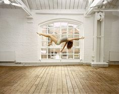 Sam Taylor-Wood- The Self Portrait Suspended- 2004