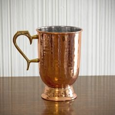 Create a better home drinking experience courtesy of our sophisticated hammered Lenox copper tankard. An ideal choice to serve your guests traditional Moscow Mules as well as your other favorite cocktails, these handsome copper mugs are crafted from solid Copper Gifts, Copper Mugs, Hammered Copper, Personalized Beer Mugs, Home Wet Bar, Home Bar Accessories, Copper Moscow Mule Mugs, Brass Handles, Drinkware