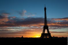 There are such beautiful #Sunsets here in #Paris. Don't you think? #EiffelTower    Photo: (c) mohamedkhalil.tumblr.com  Great artist, click  the link to have a look at his pictures :)  Planning a trip to Paris? Book a #room  at Cadran #Hotel www.cadran-hotel-gourmand.com