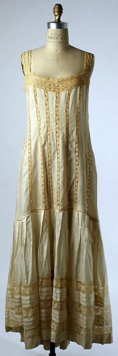 "Silk ""underskirt,"" dated 1910s, American or European. Metropolitan Museum of Art collection: C.I.40.106.31"