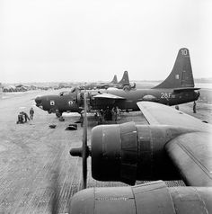 Bombers used by french Navy at the end of the war in Indochine :  PB4Y2 Privateer and F6F5 Hellcat.