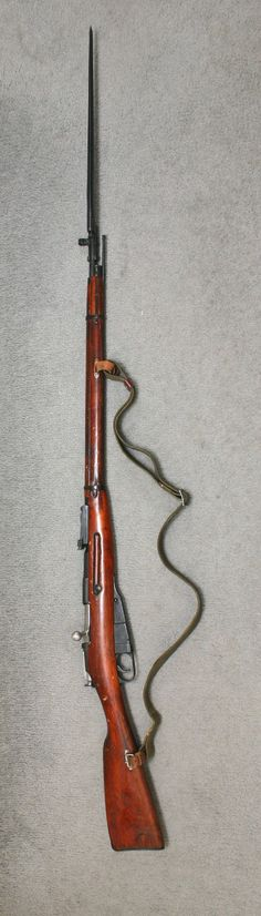 RUSSIAN MOSIN- NAGANT 91/30 (7.62 x 54R) with sling & Bayonet