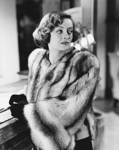 Welcome to the official Bette Davis website. Learn more about Bette Davis and contact us today for licensing opportunities. Old Hollywood Stars, Hooray For Hollywood, Old Hollywood Glamour, Golden Age Of Hollywood, Vintage Hollywood, Classic Hollywood, Hollywood Icons, Divas, Classic Movie Stars