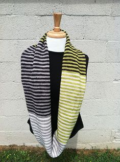 Ravelry: Ma Belle Amie pattern by yarn-love Cable Knitting, Knit Cowl, Knitted Shawls, Knit Crochet, Knitting Machine, Knitting Projects, Knitting Patterns, Knitting Ideas, Yarn Projects