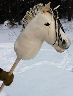 VV Keppihevonen, vuonis - Lahjakas.fi Stick Horses, Hobby Horse, Some Ideas, Softies, Goats, Pony, Crafty, Animals, Feltro