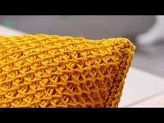 Hippes Kissen tunesisch gehäkelt – kostenlose Anleitung | Stricken und Häkeln