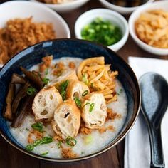 My mom's chicken congee recipe - my favorite kind of Chinese rice porridge. #foodgawker