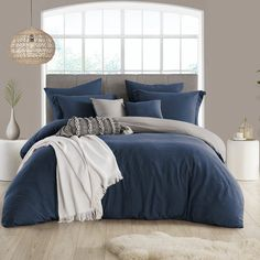 Shop Porch & Den Crane Extra Soft Reversible Crinkle Duvet Cover Set - On Sale - Overstock - 28944800 - California King/King - Cal King - Navy Navy Blue Bedrooms, Blue Gray Bedroom, Blue Rooms, Navy Blue Bedding, Neutral Bedrooms, White Bedrooms, Navy Blue Decor, Blue Master Bedroom, Blue Bedroom Decor