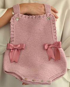 Baby Knitting, Crochet Baby, Crochet Clothes, Beautiful Babies, Baby Dress, Straw Bag, Kids Fashion, Handmade, Beauty