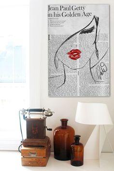 Fashionista Lunaire Canvas Art