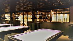 Dubbele scharnierdeur met zijpanelen en kozijnen geproduceerd en geplaatst door Mijn Stalen Deur. Hollandse pub / cafetaria 'Mainstreet' te Zevenhuizen (Dorpstraat 122)