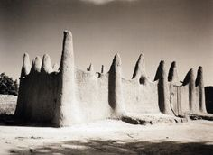 Mali architecture.  Picture by Sebastien Schutyser