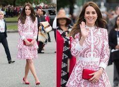 Kate Middleton volvió a dar una lección de estilo este domingo en Vancouver tras escoger un vestido estampado de Alexander McQueen que homenajeaba los colores de la bandera canadiense. ¿Su precio? 4.600 euros. (Foto: Samir Hussein / WireImage / Getty Images).