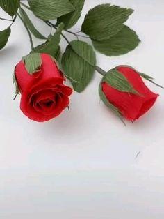 Diy Crafts Hacks, Diy Crafts For Gifts, Diy Arts And Crafts, Tissue Paper Flowers, Paper Crafts Origami, Paper Flower Tutorial, Crepe Paper, Paper Decorations, Flower Crafts