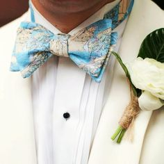 Happy 2 year anniversary @bennettnotdennett and @rachbarry2 So thankful to have gained another sister! Photo credit: @capturedbykatephoto  #happyanniversary #groom #groomsbowtie #mapbowtie #mtpleasant #southernstyle #southernwedding
