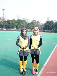 Hijab Girls Do Sports! FIeld Hockey FTW!