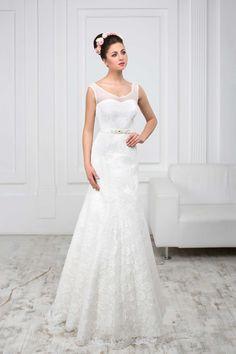 Luxusné čipkované svadobné šaty so strihom morská panna s jemnými  ramienkami zdobenými perličkami 1ee5cfa6806