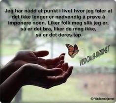 Cool Words, Norway, Holding Hands, Wisdom, Humor, Happy, Quotes, Wallpapers, Facebook