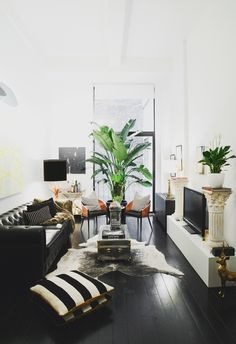 Homepolish Highlights: Tropicaltimez in Noa Santos' Living Room