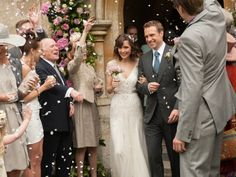 """Rose Byrne in """"I give it a year"""" - her wedding dress was stunning. Very gatsby"""