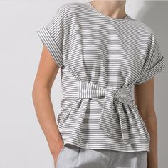 Good idea for swimsuit top with mesh ties and sleeve less 50 Fashion, Autumn Fashion, Fashion Outfits, Sea Dress, Blouse Models, Fashion Forecasting, Winter Coats Women, Mom Outfits, Couture