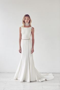 Looking for the best designer wedding dresses online? Suzanne Harward is Australia's leading designer in stunning lace & couture bridal dresses. Wedding Dresses Plus Size, Elegant Wedding Dress, Modest Wedding Dresses, Bridal Dresses, Bridal Gown, Suzanne Harward, Illuminati, Collections, Couture Fashion