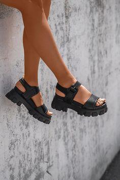 Πλατφόρμες με Τρακτερωτή Σόλα - LUIGI Birkenstock Milano, Luigi, Sandals, Boots, Products, Fashion, Crotch Boots, Moda, Shoes Sandals