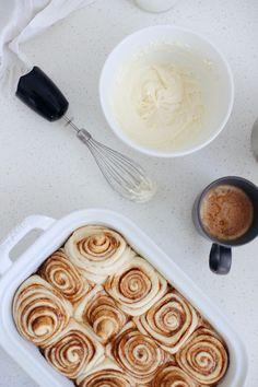Bread Machine Cinnamon Roll Recipe | lifestyle | Fresh Mommy Blog Sweet Desserts, Easy Desserts, Dessert Recipes, Gluten Free Bread Maker, Bread Machine Cinnamon Rolls, Bread Maker Machine, Cranberry Bread, Dough Ingredients, Cinnabon