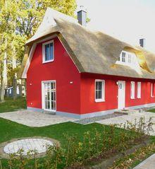 Reetdachhaus Lönneberga auf Glowe: 2 Schlafzimmer, für bis zu 4 Personen. Reetdach-Doppelhaushälfte Lönneberga auf Rügen, 2016 erbaut   FeWo-direkt