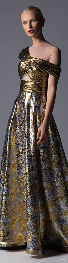 Gold Fashion, Spring Fashion, Fashion Show, Fashion Design, Fashion Trends, Going For Gold, Grey And Gold, Looking Stunning, Lace Overlay
