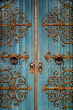 Filigree doors, gold & blue