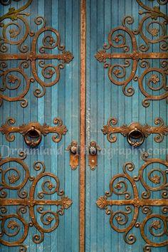 Filigree doors, gold & blue