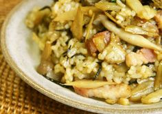 Full of Fiber Burdock Root & Hijiki Fried Brown Rice Recipe -  Very Delicious. You must try this recipe!