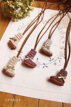crochet mini boots necklace